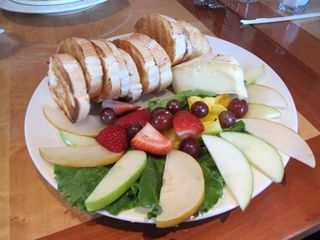 Brie and fruit
