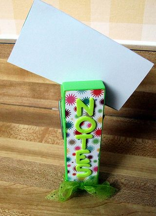 NoteHolder